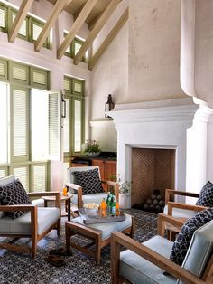 Havens South Designs loves this chic tropical coast design by Mohon Imber Design
