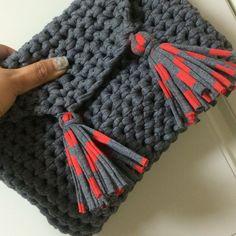 Wool and the Gang crochet tshirt yarn clutch