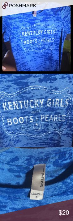 Next Level size small Women's KY Very Cute! Kentucky women wear boots n pearls! Size small, worn once, smoke free home, bought at local boutique. Perfect for tailgating! Go CATS! Next Level Apparel Tops Tees - Short Sleeve