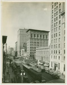 One of hundreds of thousands of free digital items from The New York Public Library. East Bay Area, Oakland California, Modern City, New York Public Library, Black White Photos, Vintage Pictures, Past, San Francisco, Vintage Trains