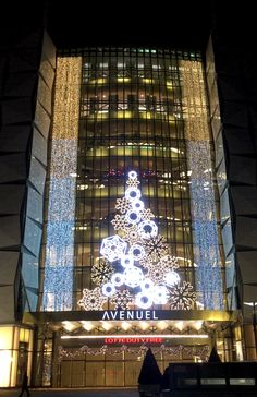 2015 #LOTTE WORLD TOWER #Media Façade #made by APLINE Christmas In The City, Christmas Themes, Christmas 2019, Christmas Lights, Holiday Decor, Christmas Aesthetic, Putz Houses, Xmas Decorations, Ideas