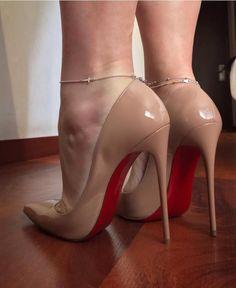 Hot High Heels, High Heels Stilettos, High Heel Boots, Womens High Heels, Heeled Boots, Stiletto Heels, Shoe Boots, Talons Sexy, Sexy Legs And Heels