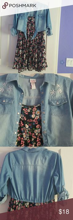 Girls floral/denim dress Cute girls dress. Floral with built in denim overlay. Denim top ties and has adjustable sleeves. Worn only 1x. Great condition. Justice Dresses Casual
