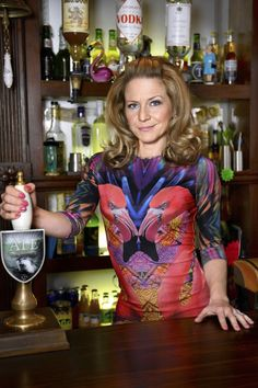 Linda Carter (Eastenders) Kellie Bright....love her style!