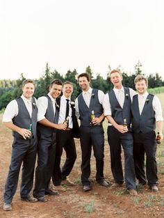 Love this groom and groomsmen photo