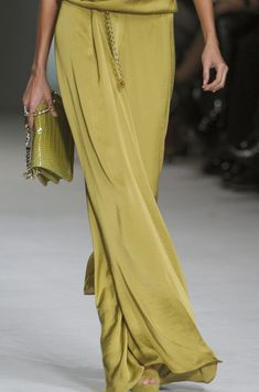 tinaschoices:    Elie Saab - More http://pin-like.com/fashion/38-latest-summer-looks-and-fashion-trends.html
