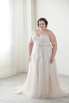 31399fd2fd 75 Best Plus Size Wedding Gowns images in 2019 | Plus size wedding ...