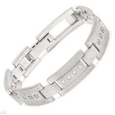 Bracelet with clean diamonds and white gold.
