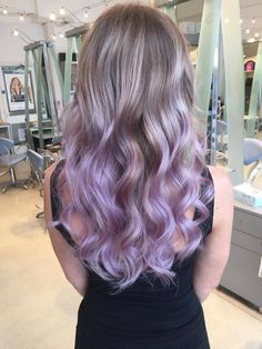 Hair Art Lila Balayage Farbe Seventies hairstyle – Do you Have it? Purple Balayage, Hair Color Balayage, Balayage Highlights, Blonde Hair With Purple Highlights, Coloured Highlights, Fall Highlights, Blonde Streaks, Hair Color Purple, Hair Dye Colors