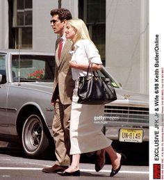 John F. and Carolyn Bessette Kennedy Los Kennedy, John Kennedy Jr, Carolyn Bessette Kennedy, Jfk Jr, Jacqueline Kennedy Onassis, Jaqueline Kennedy, Caroline Kennedy, John Junior, Summer Dress