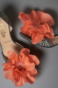 chicster, it doesn't get better than great shoes and big flowers,  I need these shoes..........