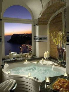 Une jolie salle de bain avec vue sur la mer ! #pierreetgalet