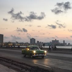 25 Awesome Things to Do in Havana, Cuba - malecon at sunset