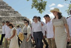 Chinese President Xi Jinping and his wife Peng Liyuan, Mexican President Erique Pena Nieto and his wife Angelica Rivera visit a pyramid at the Chichen Itza archeological site in Yucatan, Mexico on Thursday.
