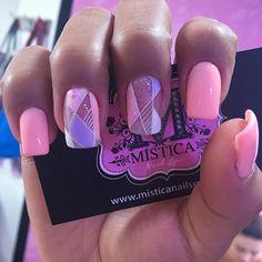 @tonesproducts_col Nail Spa, Nail Designs, Hair Beauty, Nail Polish, Mary, Instagram Posts, Finger Nails, Gold Nails, Best Nails