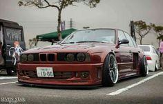 BMW E34 M5 bronze widebody slammed