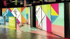 Exhibit booth at EXHIBITOR LIVE in Las Vegas. Pixlip Go Displays 1000x2000mm, Counter 1000x1000mm with backlight