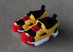 crochet-sneakers-picasso-babe-mobile