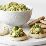 Bumble Bee Recipes - Corn Arepa with Tuna and Avocado Salad Healthy Tuna Recipes, Canned Tuna Recipes, Recipes Appetizers And Snacks, Snack Recipes, Cooking Recipes, Avocado Tuna Salad, Avocado Salad Recipes, Seafood Dishes, Seafood Recipes