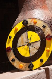 Creative Company | Classy Glass Art: Round glass gem clock