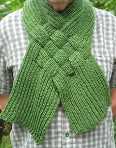 We Like Knitting: Celtic Knot Looped Scarf - Free Pattern