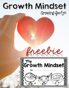 Growth Mindset Interactive Mini-Book {Freebie}