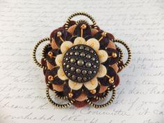 Flower Felt Zipper Brooch