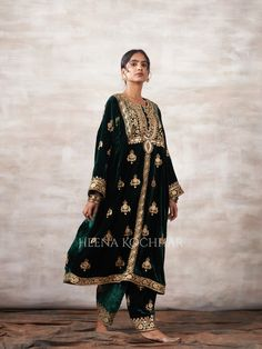 Party Suits, Dress Neck Designs, Pretty Outfits, Pretty Clothes, Indian Dresses, Indian Wear, Braided Hairstyles, Party Dress, Kimono Top