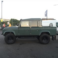 Land Rover Defender 110 Td4 DCH Pickup.
