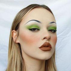 10 Most Creative Makeup Ideas That Are Trending 90s Makeup, Cute Makeup, Pretty Makeup, Makeup Art, Beauty Makeup, Hair Makeup, Hair Beauty, Beauty Dupes, Stunning Makeup
