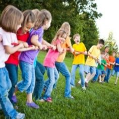 TEAM BUILDING~  5 low-prep games that help build cooperation and teamwork.
