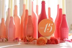 Spray painted bottles as centerpieces Do It Yourself Baby, Do It Yourself Wedding, Spray Painted Bottles, Paint Bottles, Deco Pastel, Bottle Centerpieces, Diy Centrepieces, Coral Centerpieces, Bottle Decorations