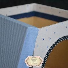 Caja de Madera Decorada. Con Ventana. Ideal para Regalar. Medidas 15x15x15 cm.