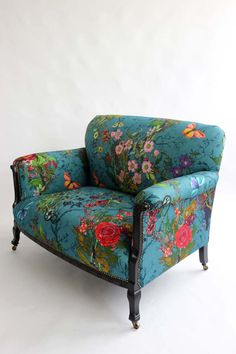 Oooh we love the new items of furniture now available from - this is the Bloomsbury Garden 2 Seater Couch. Funky Chairs, Vintage Chairs, Funky Furniture, Sofa Furniture, Patterned Armchair, Chair Upholstery, Upholstered Chairs, Sofa Design, Soft Furnishings
