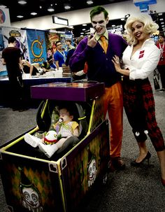 Joker and Harley family cosplay from Comicon 2013!! Amazing!!!