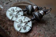 Rustic boho earrings, Bohemian jewelry, Earthy dangle earrings, Boho chic earrings, Organic earrings, Winter earrings, White gray, Artisan