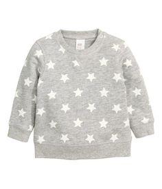 CONSCIOUS. Sweatshirt aus weicher Bio-Baumwolle mit angerauter Innenseite. Druckknopf an der einen Schulter (in Gr. 80-92 ohne Knopf).