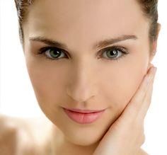 Remedios naturales para quitar manchas en la piel http://adrianabetancur.com/#!/remedios-caseros-y-naturales-para-quitar-las-manchas-en-la-piel/