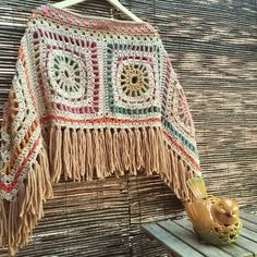 Transcendent Crochet a Solid Granny Square Ideas. Inconceivable Crochet a Solid Granny Square Ideas. Poncho Au Crochet, Mode Crochet, Crochet Diy, Crochet Motifs, Crochet Jacket, Crochet Woman, Crochet Squares, Crochet Granny, Crochet Patterns