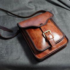 Handmade genuine leather shoulder bags/ tote bag/ saddlebag/man satchel