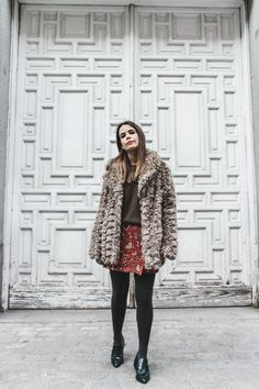 Faux_Fur_Coat-Boho_Skirt-Formula_Joven-Loafers-Outfit-Street_Style-Collage_Vintage-20 Loafers Outfit, Adventure Style, Collage Vintage, Boho Skirts, Faux Fur, Fur Coat, Street Style, Elegant, My Style