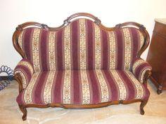 La ricopertura di un vecchio divano