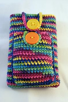 made by Mriek: Ipod + headset holder with free  pattern
