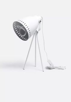 Retro tripod lamp