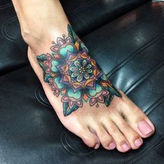 Tattoo by Andrea Revenant Traditional Mandala foot tattoo – foot tattoos for women flowers Trendy Tattoos, Love Tattoos, Body Art Tattoos, Print Tattoos, Tattoos For Guys, Colorful Tattoos, Future Tattoos, Tattoos For Women Flowers, Foot Tattoos For Women