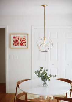 New Year, New Look: 5 Interior Lighting Trends for a Brighter minimalist dining room small . Read more info by clicking the link on the image. Dining Lighting, Minimalist Dining Room, Dining Room Contemporary, Traditional Dining, Traditional Dining Rooms, Dining Room Small, Lighting Trends, Trendy Dining Room, Home Decor