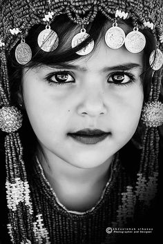 Black And White Portraits, Jewelry, Rings, Fashion, Moda, Jewlery, Jewerly, Fashion Styles, Schmuck