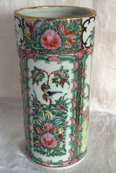 Y T Japanese Porcelainwares Vase Hand Decorated in Hong Kong 10 in tall by on Etsy Japanese Porcelain, Vintage Roses, Hong Kong, Oriental, Hand Painted, Vase, Antiques, Floral, Painting