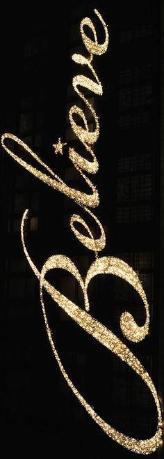black and gold christmas Merry Little Christmas, Gold Christmas, Christmas Colors, Christmas And New Year, All Things Christmas, Christmas Holidays, Christmas Decorations, Xmas, Magical Christmas