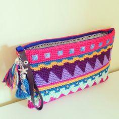 Handbag made by mi cuñada #tapestrycrochet #jacquard #crochet #ganchillo